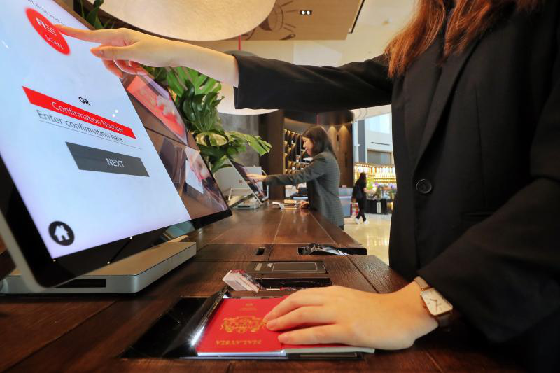 Hongzhou hotel self check in machine with printer in villa-3